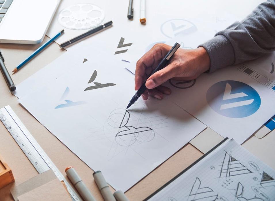 CONSULTORIA Planeamiento y gestión de marca en canales offline y online